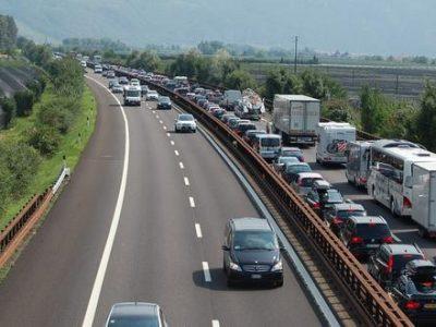 Atostoginiai (šeštadienio) eismo draudimai Vokietijoje ir Prancūzijoje. Patikrinkite, kur ir kada galima važiuoti