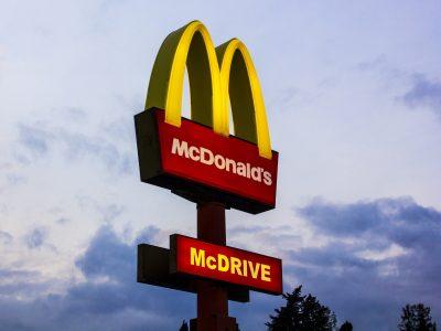 TransInstant: Ciężarówki z McDonald's tankują olej… po smażeniu frytek | Kolejna grupa uprawniona do kierowania ruchem
