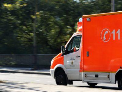 Holenderskie pogotowie wyposażono w aplikację tłumacza. Dzięki niej uratowali polskiego kierowcę
