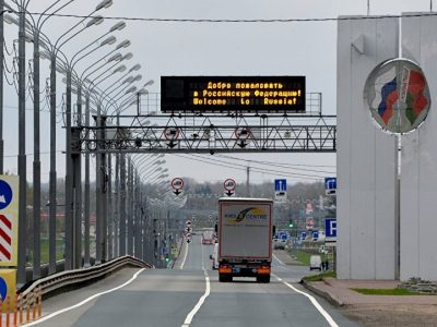 De la 1 august frontiera dintre Belarus și Rusia va fi închisă pentru străini