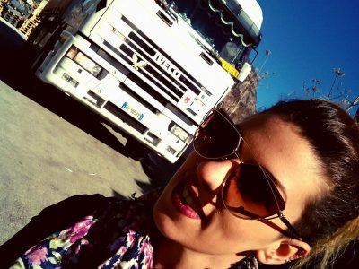Faceți cunoștință cu Silvia, șoferița care a visat de mică să se afle la volanul unui camion