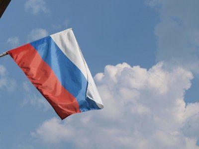 In Russland haben Fahrer innerhalb von drei Tagen eine neue Straße gebaut (Video)