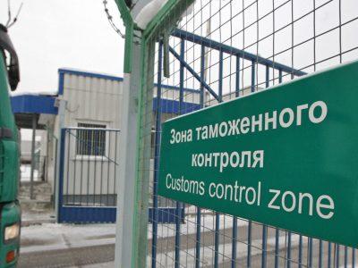 Российская таможня получила право останавливать фуры еще в трех регионах без помощи дорожной полиции
