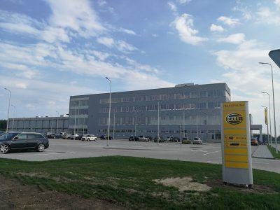 InfoTRUMPAI: Metinė infliacija Lietuvoje liepą sudarė 2,3 proc. | Kauno LEZ veiklą pradėjo HELLA gamykla