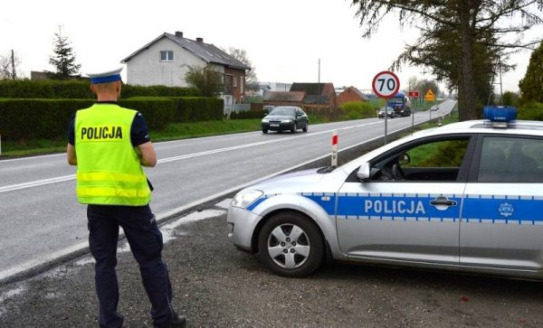 Policyjna akcja SMOG. Funkcjonariusze w całej Polsce będą sprawdzać spaliny