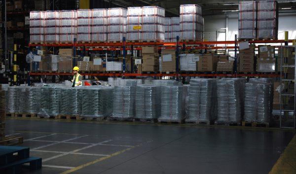 Logistycy patrzą w przyszłość z optymizmem. Handlowcy i producenci w gorszych nastrojach