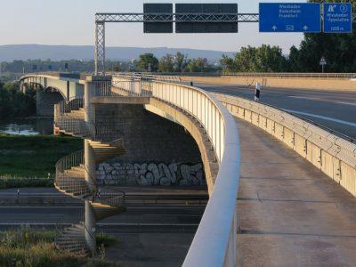 Brückenteil von der Schiersteiner Brücke wird im September abgerissen