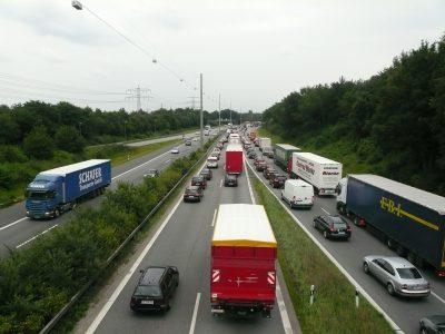 Dėmesio – šį savaitgalį Vokietijoje vairuotojų lauks dideli kamščiai