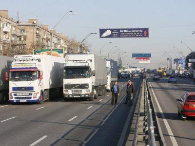 При повышении температуры до +28 движение грузовиков в Киеве будет ограничено