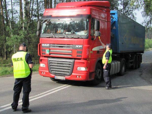 Pierwsze statystyki akcji TIR. Policja skontrolowała już 1800 ciężarówek