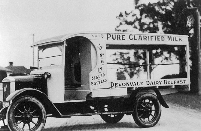 Australijscy farmerzy równie chętnie jak amerykańscy korzystali z samochodów. Z powodu ceł wybierali jednak brytyjskie, nie amerykańskie modele.