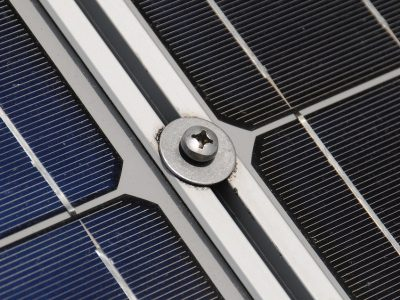 TransINSTANT: Ogniwa słoneczne na dachu naczepy. Zredukują zużycie paliwa? | Zakaz ruchu dla ciężarówek na moście w Genui