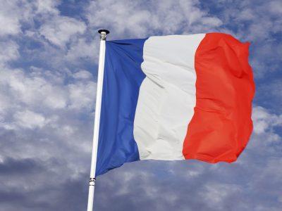 A franciák szigorítanak az előírásokon. Magasabb büntetések a Loi Macron előírásainak megsértéséért