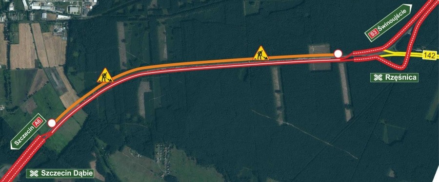Drogowcy wznawiają remont na trasie A6 od węzła Szczecin Dąbie do węzła Rzęśnica (woj. zachodniopomorskie). Pierwszy etap powakacyjnych robót zakłada powrót do starej organizacji ruchu. Dlatego też, kierowcy nie mogą już jeździć remontowaną jezdnią w stronę Szczecina. Na czas prowadzonych prac ruch odbywać się będzie dwukierunkowo po płytach betonowych na drugiej jezdni prowadzącej w kierunku Świnoujścia. Według wstępnych zapowiedzi prace na tym odcinku zakończą się wiosną 2020 r.