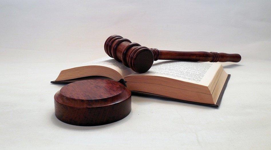 Ważny wyrok sądu – o odszkodowanie za zmowę producentów ciężarówek można walczyć również w Polsce
