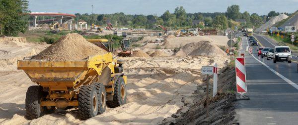 TransINSTANT: Ruszyła budowa kolejnego odcinka S17   Przewoźnicy tracą miliony przez brak wiaduktu