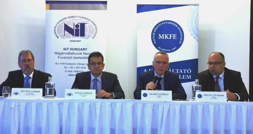 Konferencja prasowa organizacji węgierskich przewoźników