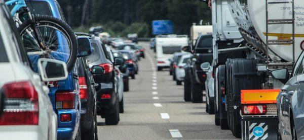 Tirol: Ab heute Änderungen – verlängertes LKW-Fahrverbot