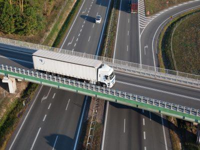 Britanicii au un nou sistem de depistare a depășirii greutății maxim admise a camioanelor