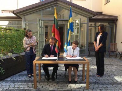 Pasirašytas susitarimas dėl Lietuvos ir Švedijos bendradarbiavimo transporto politikos srityje