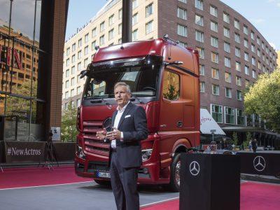 Erster Serien-LKW mit MirrorCam statt Außenspiegeln: enorme Verbesserung für Aerodynamik, Sicherheit und Fahrzeughandling