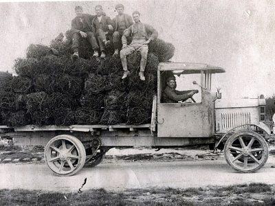 Az áruszállítás története 16. rész a gyártóról, aki elkészítette a kimondottan teherautókba való első motort