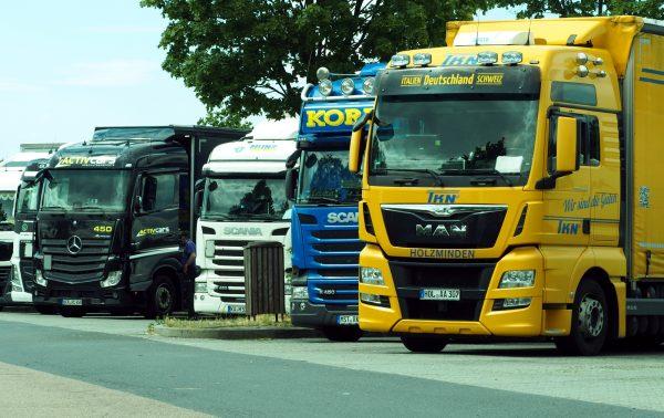 Zastój na rynku samochodów ciężarowych? Dane z ubiegłego roku dają do myślenia
