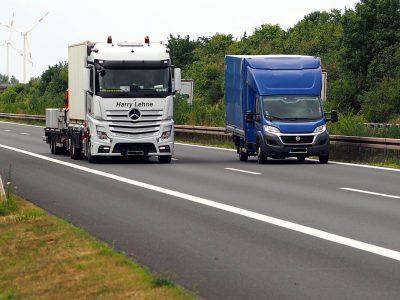 Németország: teherautós munkaidőszabályozást a 3,5 tonnás szállítmányozásra is! Az unió is támogatja.