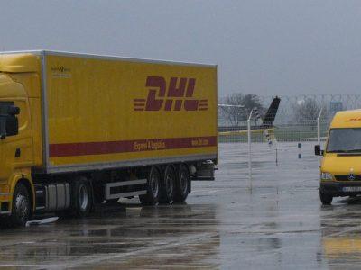 DHL podnosi ceny w Polsce. Niektóre przesyłki zdrożeją nawet o ponad 9 proc.
