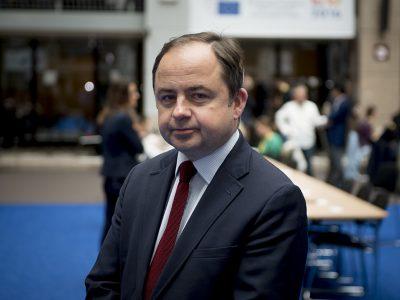 Lenkija ir Vengrija pateikė skundą Europos Teisingumo Teismui. Skundas susijęs su Direktyva dėl darbuotojų komandiravimo