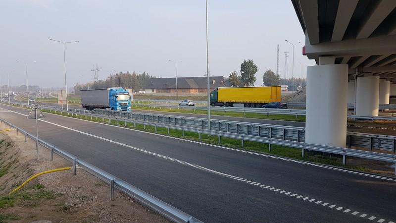 Do końca tego roku kierowcy zyskają blisko 490 km nowych dróg. Zobacz, o jakie trasy chodzi