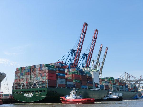 Rotterdam Short Sea Terminals erhebt Zuschlag für Kaiumschlag