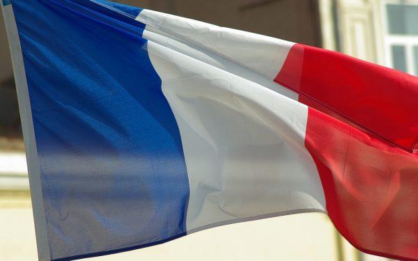 Francia kamionos-sztrájk magasabb bérekért és jobb nyugdíjért; fennakadásokra kell számítani az utak