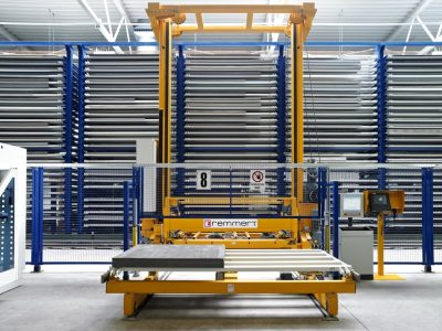 Logistics 4.0 in practice. 60 percent time savings with automation of sheet metal warehouse