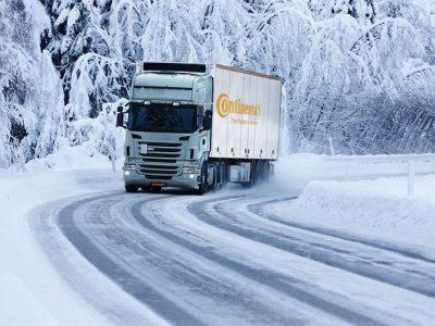 [Ghid Gratuit] Știți care sunt prevederile legate de echiparea vehiculelor pentru iarnă în Europa?