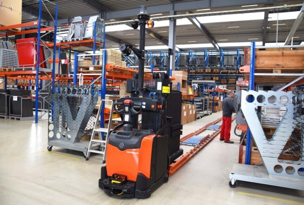Logistics 4.0 in practice. The use of automated forklifts reduced the number of accidents by 50 perc