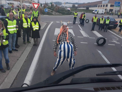 "Protest of ""yellow vests"" in France continues. Check which roads are blocked"