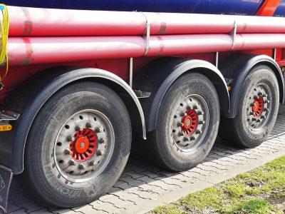 ¿Camiones cisterna con combustible podrán viajar por Alemania también los domingos y días festivos?