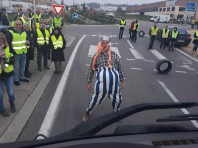 """Radikalizálódhatnak a francia tiltakozások. Mégis kizárt, hogy a kormány """"gesztust"""" tegyen"""