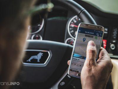Franciaország: még súlyosabb bírság a mobilozásért vezetés közben