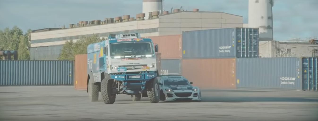 9-tonowy Kamaz i wyścigowa Mazda we wspólnym drifcie. Zobacz niezwykły wyścig