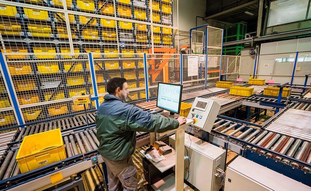 Magazyn miniload firmy JCH w Barceleonie