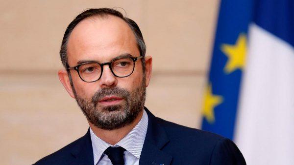 Guvernul Francez cedează: Creșterea taxei pentru carburanți va fi suspendată pentru 6 luni