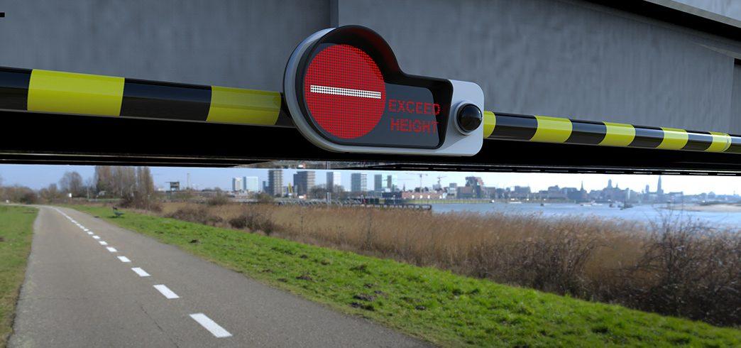 System ostrzegawczy zmierzy pojazd i da znak, czy można jechać dalej. Dzięki niemu ciężarówka nie utknie pod wiaduktem