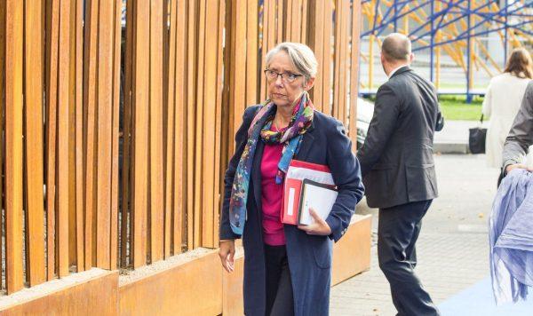 Franța: Ministrul Transporturilor confirmă planurile de introducere a unei taxe speciale pentru tran