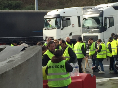 Tomorrow yellow vests will block truck traffic at the borders. Difficulties at border with Spain starting today