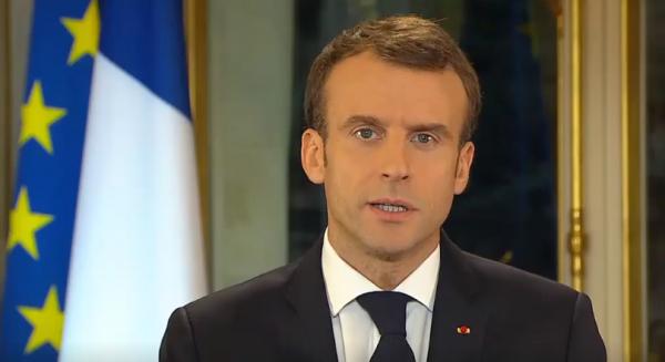 Macron idzie na ustępstwa. Zapowiedział podwyższenie płacy minimalnej w 2019 r.