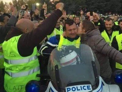 """""""Stăm de 3 săptămâni în cozi din cauza protestelor din Franța. Nu putem face transport în aceste condiții!"""""""