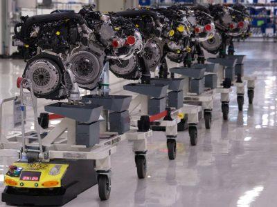 Logistika 4.0 praktikoje, t.y. mobilieji robotai transportuoja dalis