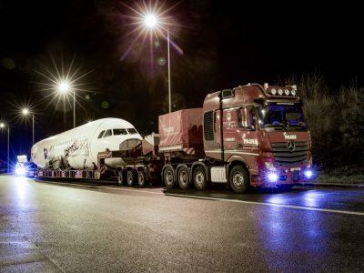 Spektakulärer Airbus-Transport mit einer Mercedes-Benz Actros 4163 SLT Schwerlastzugmaschine